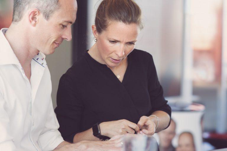Bilde av Anne og Jørgen på Bislettkontoret